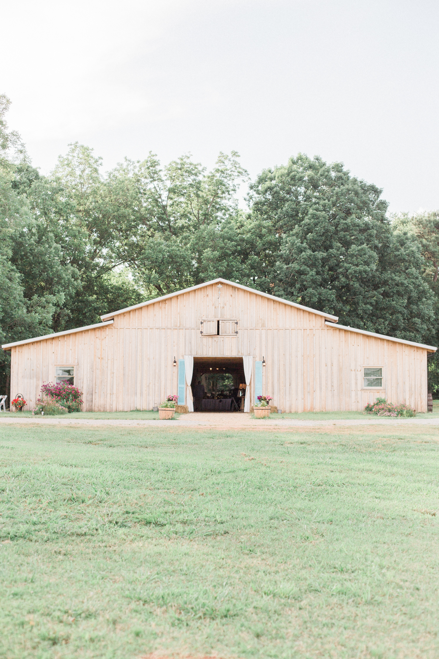 Summer, outdoor, barn wedding in north Georgia at Hays McDonald Farm in Jefferson, Georgia. Photo by Kesia Marie Photography - Fine Art Wedding Photographer.