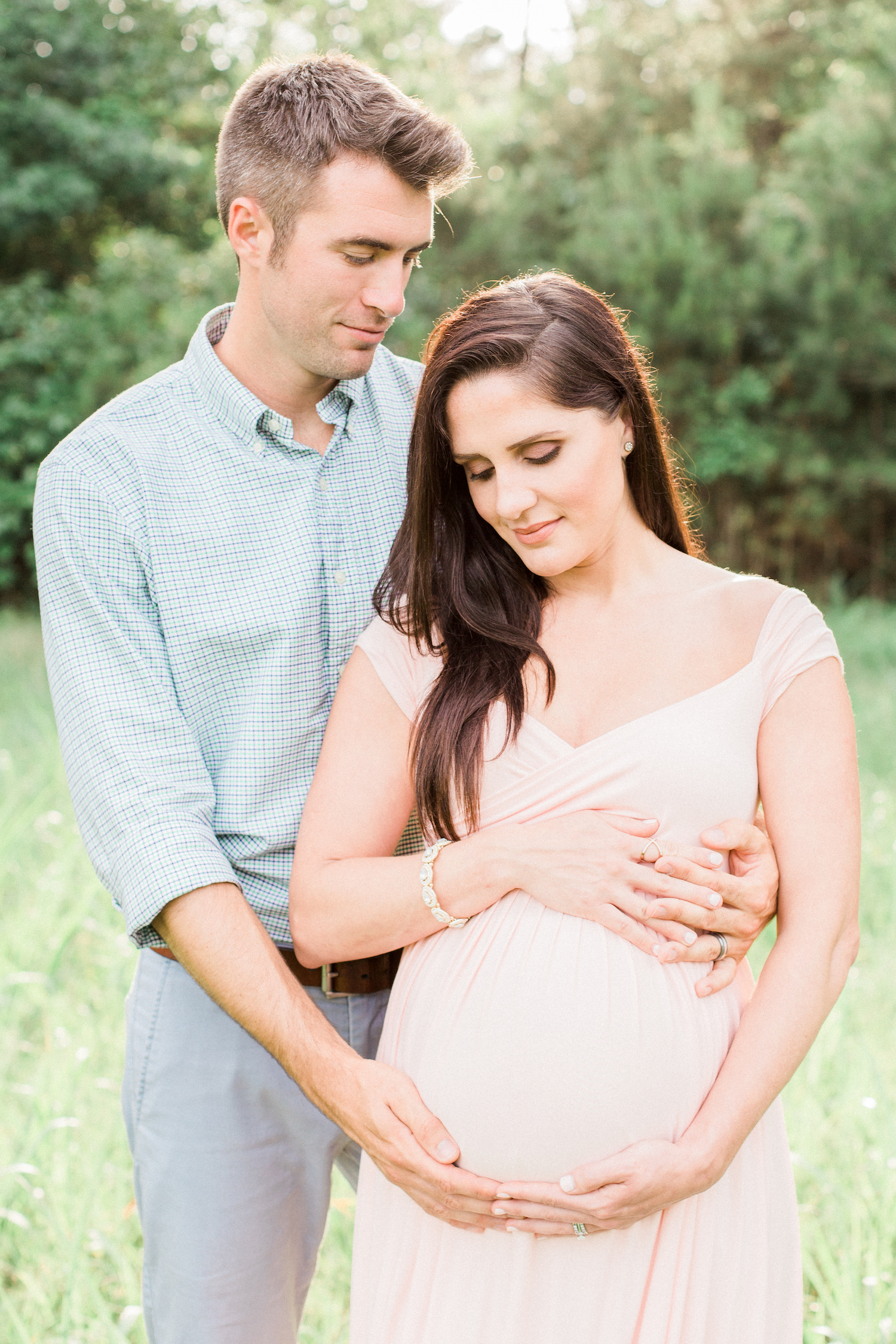 Atlanta maternity photographer. Spring time blush and pink family session.