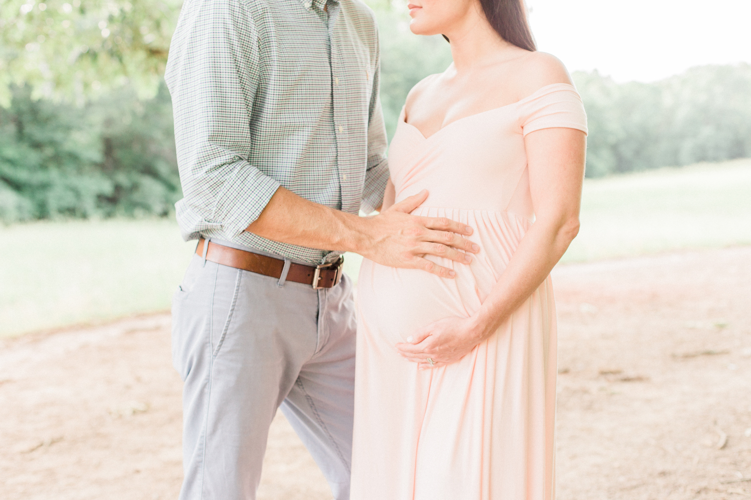 Romantic spring maternity session. Blush pink maternity dress.